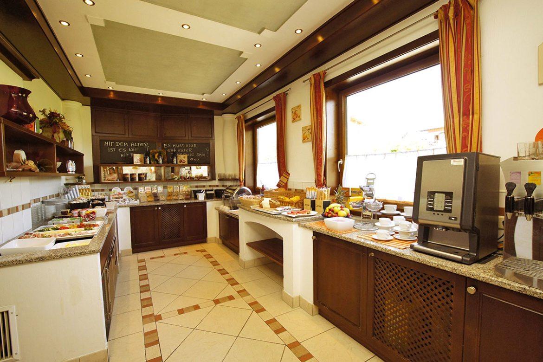 Frühstücksbuffet im Apart-Hotel Panorama - 500 m entfernt